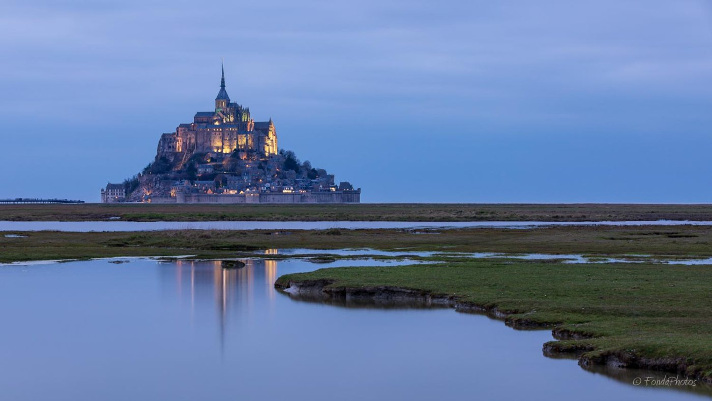 Mont-Saint-Michel, first lights with reflections