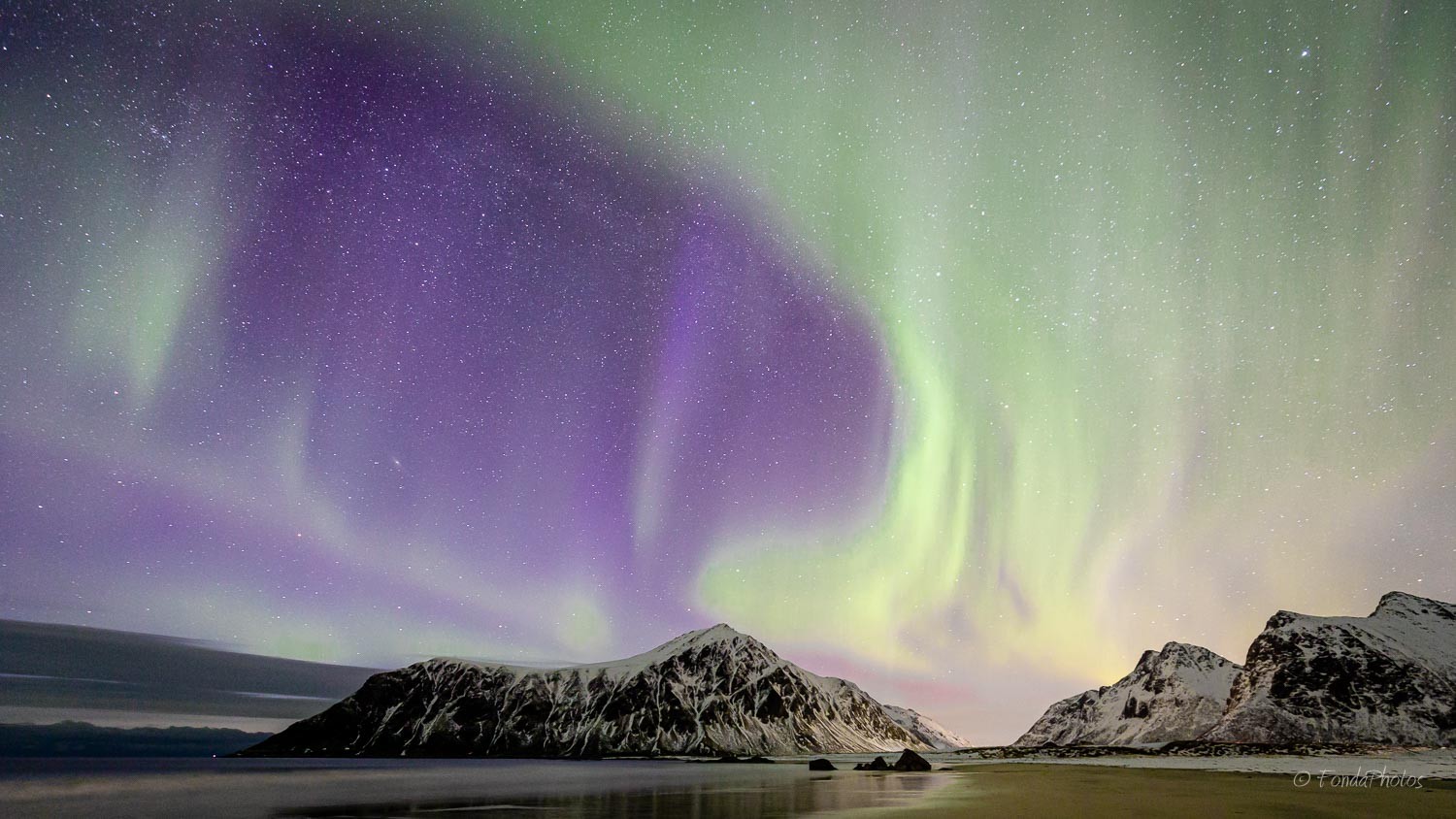 Northern lights, Skagsanden beach, Lofoten