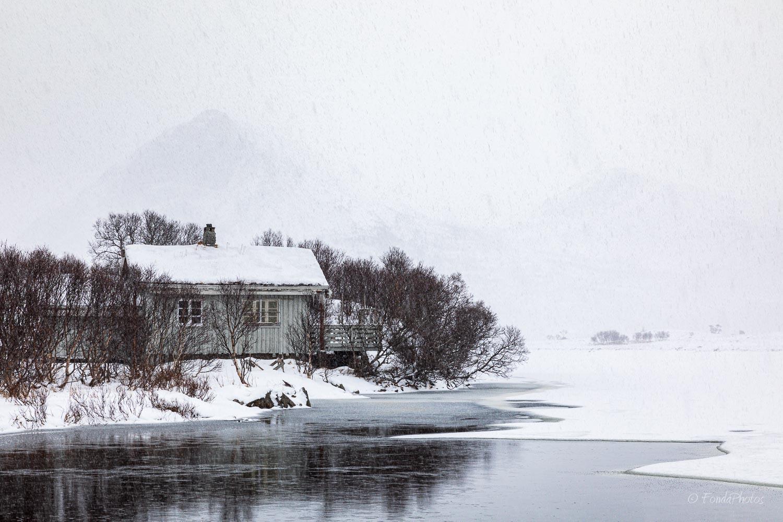 Cabin on Lilandsvatnet, Lofoten